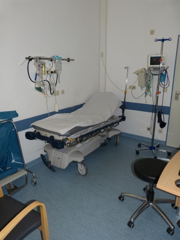 hospital-699468_1920